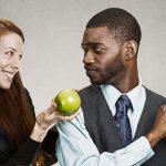 Le 7 Leve della Persuasione: come il nostro cervello è influenzato nel dire sì